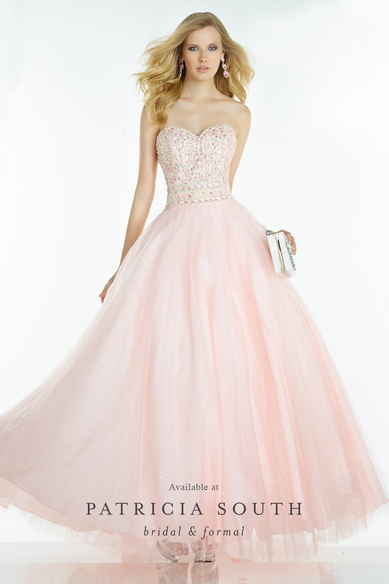 AAP6609 - Prom Gown Look Book