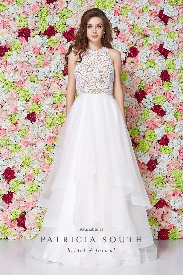 PS61017 - Prom Gown Look Book