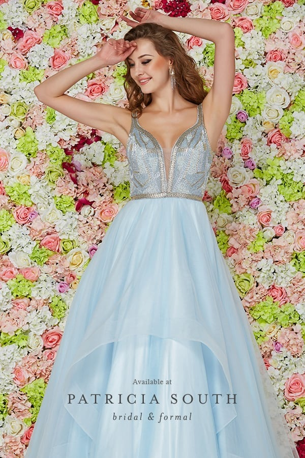 PS61124 - Prom Gown Look Book