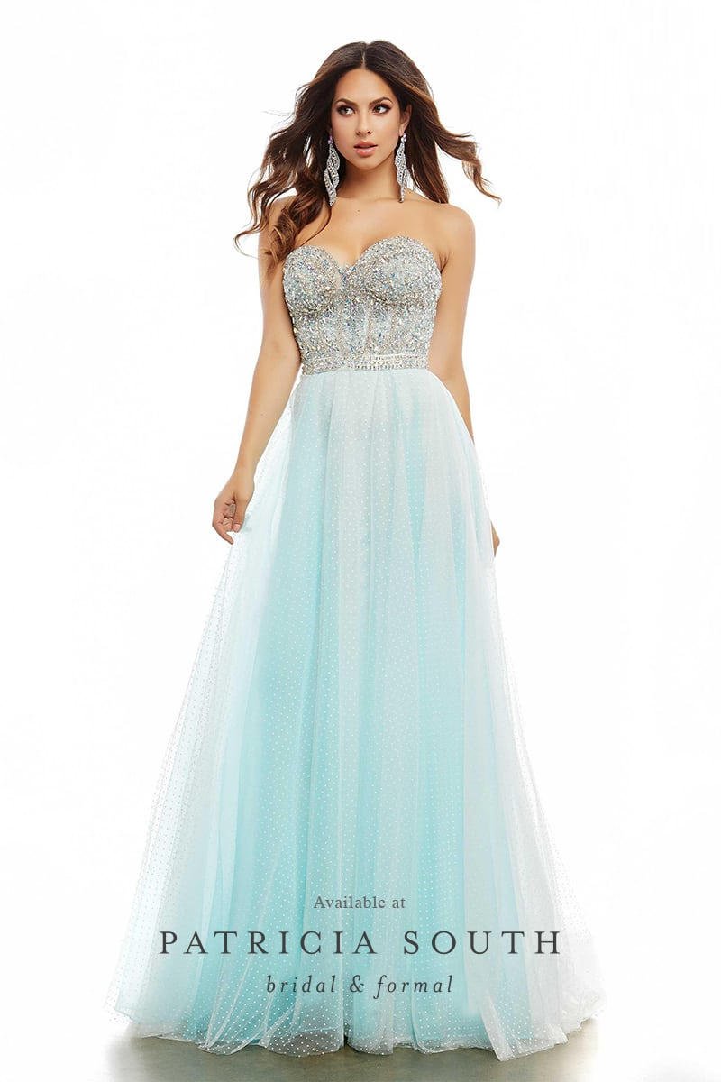 PSM65586A - Prom Gown Look Book