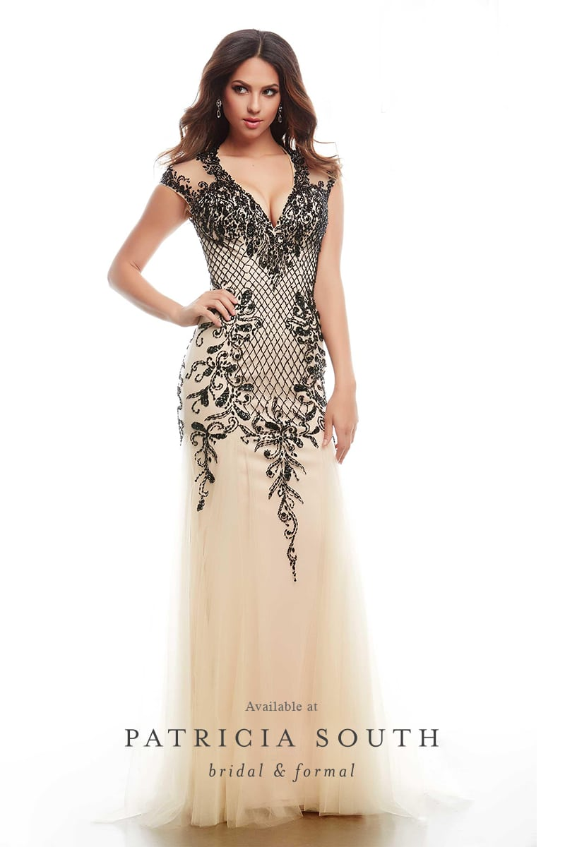 PSM82119A - Prom Gown Look Book