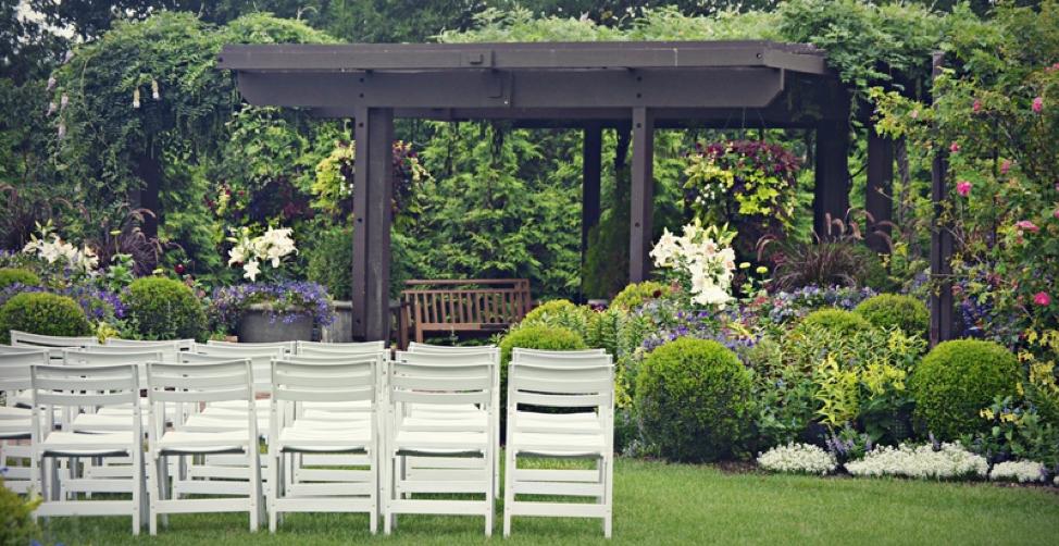 Outdoor Wedding - 3 Elegant Wedding Dinner Settings